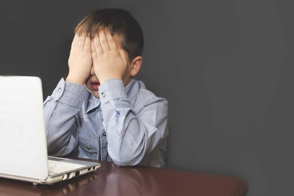 کودک آزاری اینترنتی